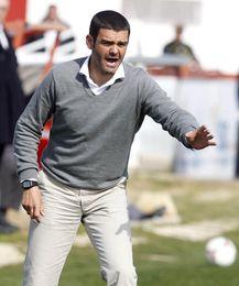 El Sevilla Atlético golea al Arroyo (3-0) y continúa su escalada