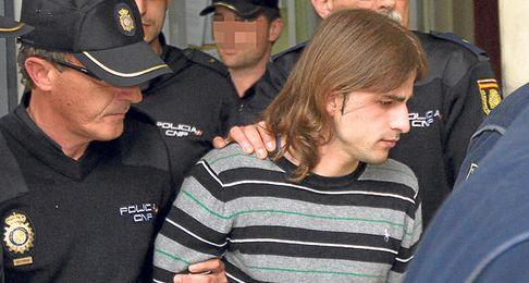Miguel Carcaño, escoltado durante su traslado para declarar ante el juez y ratificar la última versión de su crimen.