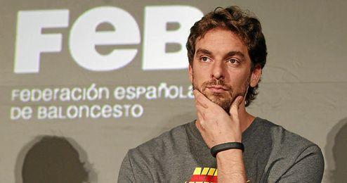 Pau Gasol en un acto de la Federación española de baloncesto.