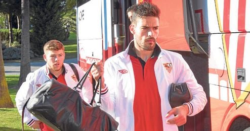 Alberto Botía no alcanzará la cifra de partidos que obliga al Sevilla a comprarlo y hará las maletas en verano.