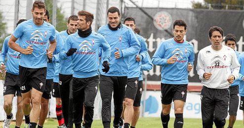 La plantilla del Celta se ejercita durante un entrenamiento de esta semana.