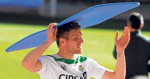 El Betis ya recibió ofertas por Damien Perquis en el mercado invernal, pero las rechazó.