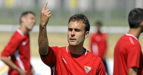Cala durante un entrenamiento con el Sevilla.