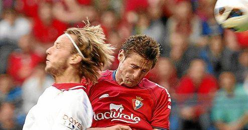 El Sevilla, que comenzó poniéndose por delante en el marcador, ha terminado perdiendo la ´guerra´ en el Reyno de Navarra.