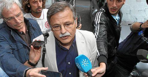 Bosch ha hablado con los medios a la salida de Rubén Castro del juzgado.