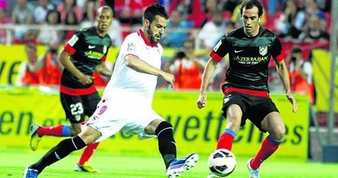 El ´Cholo´ Simeone ha dado su visto bueno a la llegada de Álvaro Negredo como recambio de Radamel Falcao.