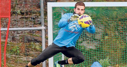 Javi Varas, lesionado, no podrá despedirse en el último partido de Liga.