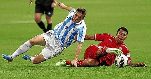 El mediocentro chileno podría salir del Sevilla este verano.