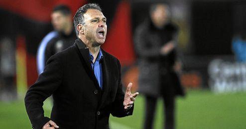 Caparrós, candidato a dirigir al Levante la próxima temporada.