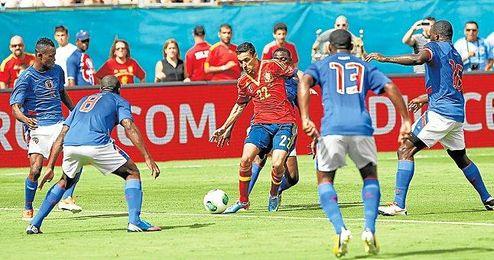 España se pasea por Miami y se trae un triunfo (2-1)