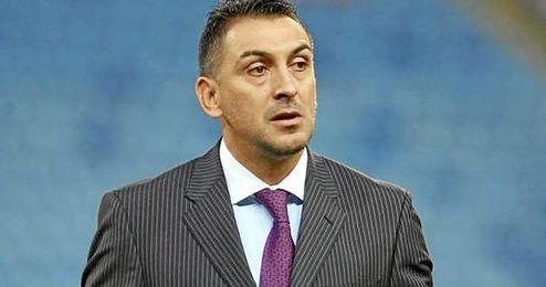 El ex sevillista Ilie Dumitrescu ha analizado al flamante fichaje nervionense, su compatriota Raul Rusescu.