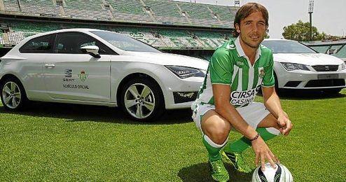 Joan Verdú, durante su presentación como futbolista verdiblanco.