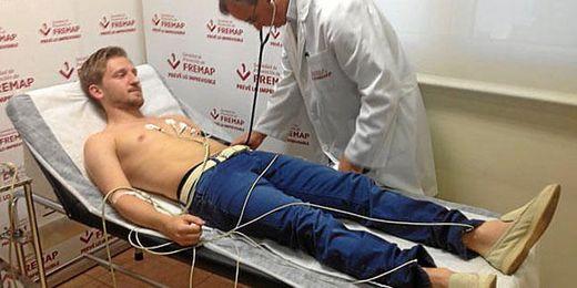 Marko Marin pasa el reconocimiento médico - Estadio deportivo