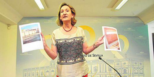 La delegada de Cultura, Educación, Juventud y Deporte, María del Mar Sánchez Estrella, mostró la situación de las obras en bruto.