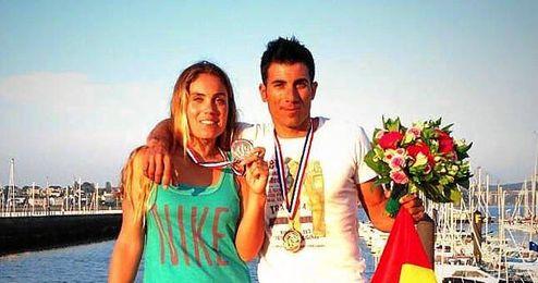 Blanca y Curro Manchón con las medallas