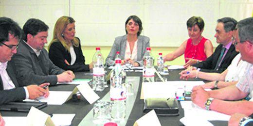 Con el programa de Rehabilitación Autonómica se beneficiaran medio centenar de municipios sevillanos.
