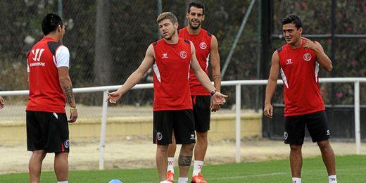 El Sevilla sigue entrenándose en Costa Ballena