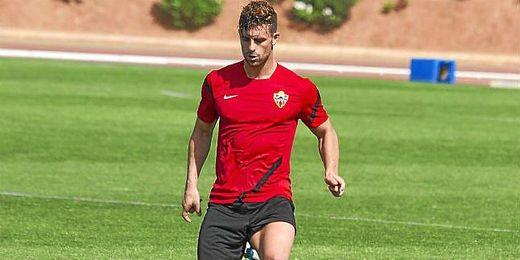 Rodri en un entrenamiento con el Almería
