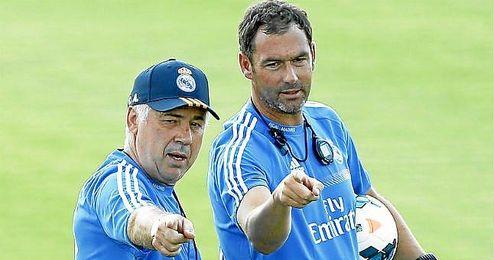 Carlo Ancelotti dirige un entrenamiento del Real Madrid.