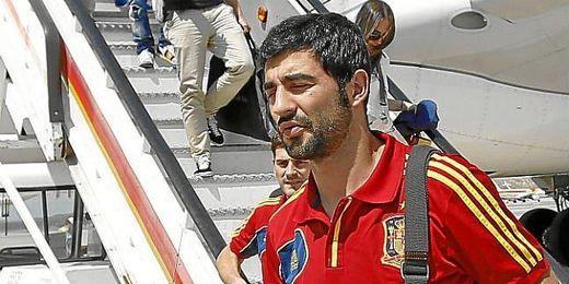 Albiol, a la llegada de la selección tras la Copa Confederaciones.