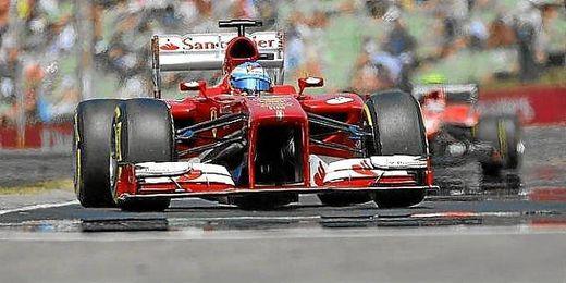 Alonso durante los entrenamientos del Gran Premio de Hungría.