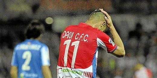 Dani Benítez se lamenta en el partido contra el Athletic.