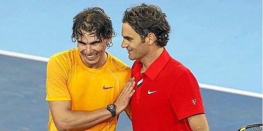 Nadal y Federer saludándose tras un partido