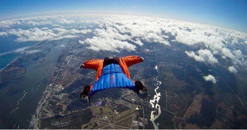 Imagen de este arriesgada modalidad del paracaidismo