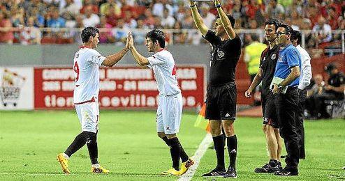 Reyes tuvo que ser sustituido por lesión en el primer partido de la temporada ante el Mladost.