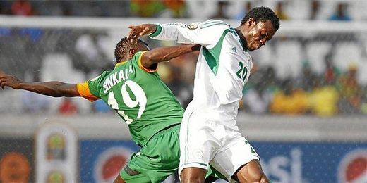 Nosa, en un partido de la Copa África ante Zambia.