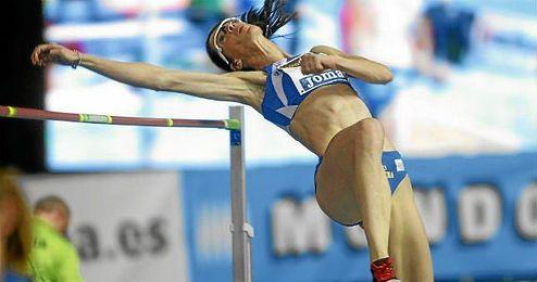 Ruth Beitia durante la final de salto de altura del Cto. de España en pista cubierta.