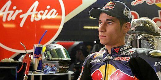 Luis Salom en su box de Red Bull KTM Ajo.