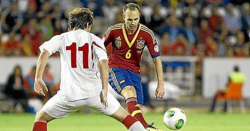 Iniesta durante el partido que enfrentó a la Roja con Georgia.