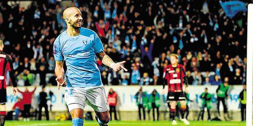 Guillermo Molins está volviendo a disfrutar del fútbol en Suecia, donde ha olvidado totalmente su lesión de rodilla.
