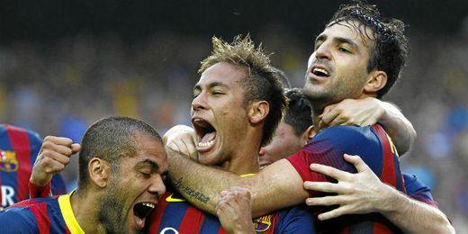 Los jugadores del Barcelona celebran el 1-0.