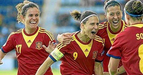 La selección española de fútbol femenino durante un partido de la Eurocopa.