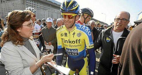 Contador tras una etapa en la Tirreno - Adriático.
