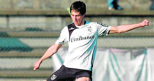 Paulo Oliveira, del Vitória, fue uno de los seguidos.