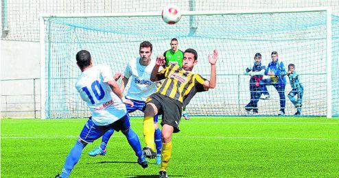 En la imagen, un lance del reciente Alcalá-San Roque de Lepe, saldado con una victoria visitante (2-3).