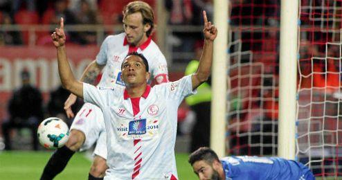 Bacca celebra su primer gol del partido ante el Real Madrid.