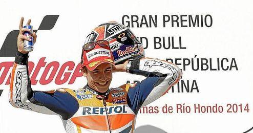 Márquez celebró su tercer triunfo consecutivo en el podio de Argentina.
