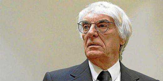 Ecclestone acusado por el pago de sobornos.
