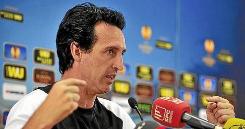 Emery atiende a la prensa en el ´Open Media Day´ de la UEFA.