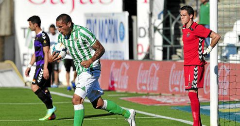 Braian Rodríguez volvió a ser titular y a participar en otro gol.