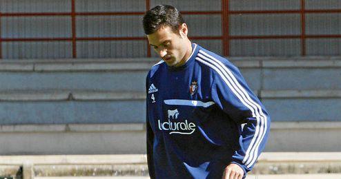 Miguel Flaño, en un entrenamiento con el Osasuna.