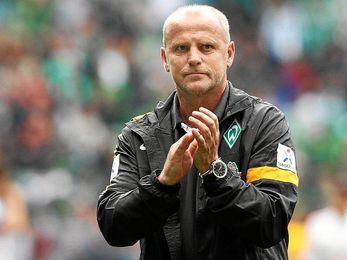 Shaaf dirigiendo un partido del Werder Bremen.