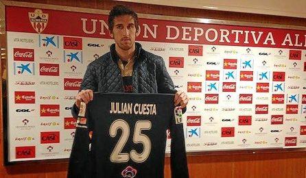 """Julián: """"Me gustaría seguir en la UD Almería"""""""