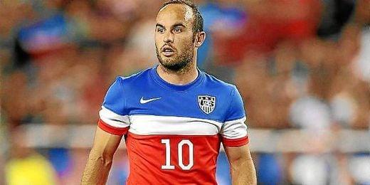 Donovan disputando un partido con la selección norteamericana.
