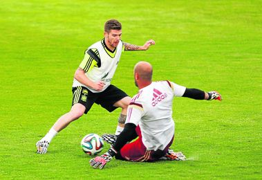 El futbolista del Sevilla se encuentra muy agusto en la concentración de la Selección.