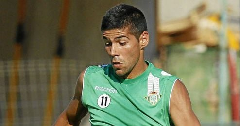 Juanfran tiene muchas opciones de no seguir en el Betis.